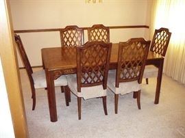 Fruitwood Dining room table with 2 leaves - all pads - 6 chairs