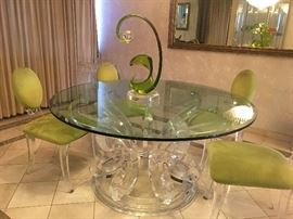 ITALY 2000 GLASS LUCITE TABLE & CHAIRS WITH SHLOMI HAZIZA SCULPTURE