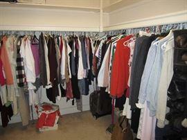 Womens clothing size Medium