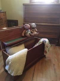 Lane cedar chest is in great condition and displays beautiful crochet pillows and throws!