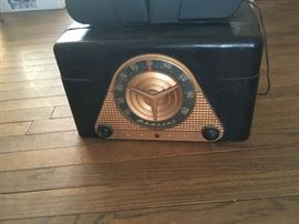 Retro radio / record player