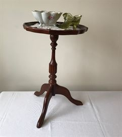 Small table and sweet somethings  http://www.ctonlineauctions.com/detail.asp?id=695237
