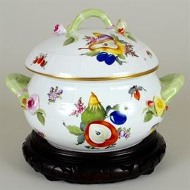 "Herend ""Fruits & Flowers"" tureen"