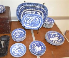 Blue Willow transferware Japan