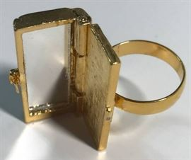 Old - New Mirror Ring - Pretty Cool to Have a Mirr ...
