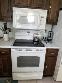 GE electric range & microwave oven 30""