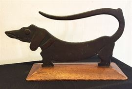 Shaped metal dog sculpture