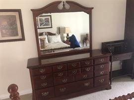 Dresser with set