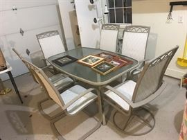 Patio Set, like new with 6 chairs