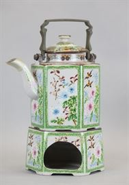 Chinese export porcelain teapot, 19th c., overall: 11.5in(H)