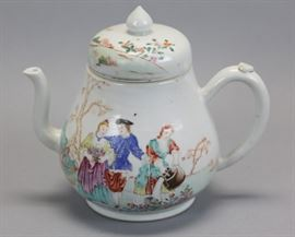 large Chinese export porcelain teapot, 18th c., 8.5in(L) x 8in(H)