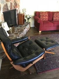 Mobler 1950s leather lounge chair