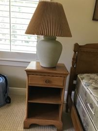 Nightstand and one of two bean pot lamps