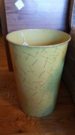 Vintage Nesco metal garbage can.
