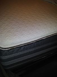 King Size Beauty  Rest Hybrid Mattress - barely used