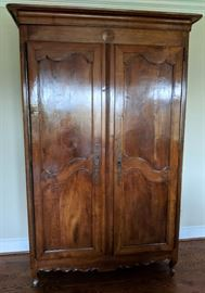 Louis XV Armoire - Exquisite Antique