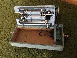 Vintage Sewing Cabinet and Machine https://www.ctbids.com/#!/description/share/6666