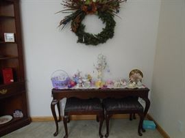 Drexel  glass top sofa table with seating