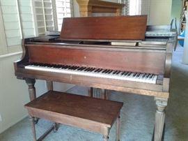Wurlitzer Baby Grand Piano 76510 circa 1963 plays fine