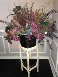 Plant stand and arrangement
