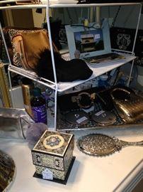 Vanity accessories