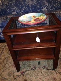 3 - shelf table