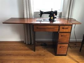 Antique folding sewing table with Singer sewing machine (1/2)