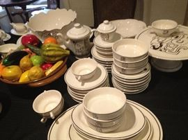Cool Guatamala Art Pottery dinnerware, service for 12 plus many servers