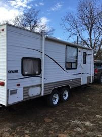 Layton Travel trailer with roll out awning