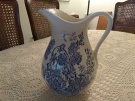 Pitcher Porcelain Crown Devon Fielding's Staffordshire    http://www.ctonlineauctions.com/detail.asp?id=696072