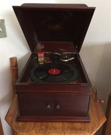 Victrola Hand Cranked Phonograph - Nice Working Condition