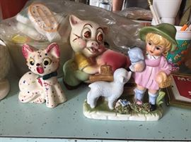 LOTS OF VINTAGE COLLECTABLES