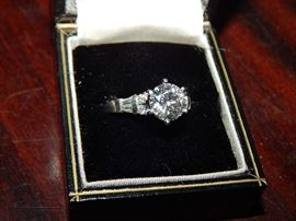 over 2 ct Diamond & Platinum ladies ring with $10K  dollar appraisal