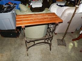 tables, Mahogany, Oak, Walnut, Chestnut, Cherry bedroom sets, dining sets, chairs, beds, dressers