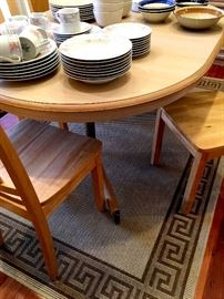 Super Cute Dinette Set With One Leaf and Four Chairs!...