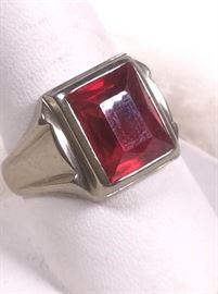007 10k Gold And Ruby Ring