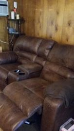 Recliner sofa, both sides recline