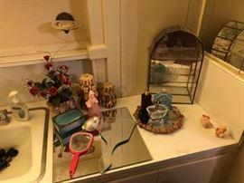 Perfume & Vintage Mirrors