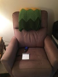Electric Single Lazy Boy Recliner! Only one year old!!