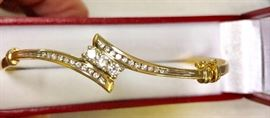 14k gold diamond bracelet   Half carat total diamond weight