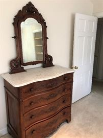 Beautiful Burl wood dresser with mirror