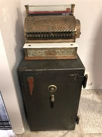 Lovely cash register and safe with combination