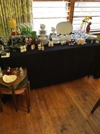 Loads of vintage glassware, pottery