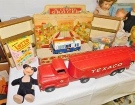 1950s Buddy L Texaco tanker truck in excellent condition