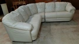 Scrumptious, leather sectional. Wonderful condition.