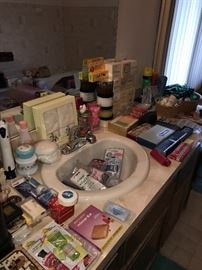 LOTS AND LOTS OF BATH AND BODY PRODUCTS