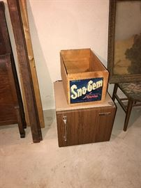 VINTAGE FRIDGE AND WOODEN CRATE