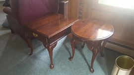 2 End Table Matching Set