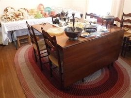 Excellent Drop Leaf Table in near-perfect condition Asking $175