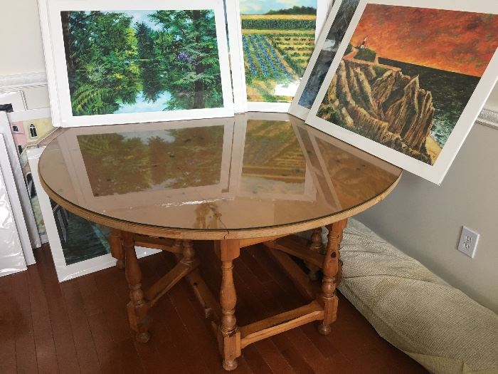 Beautiful gate - leg table